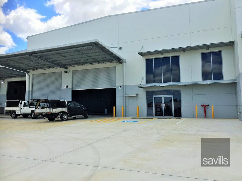 Brand new complex on Logan Mwy