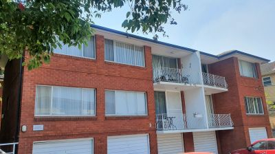 TWO BEDROOM UNIT - CLOSE TO SHOPS, SCHOOLS & TRAIN STATION