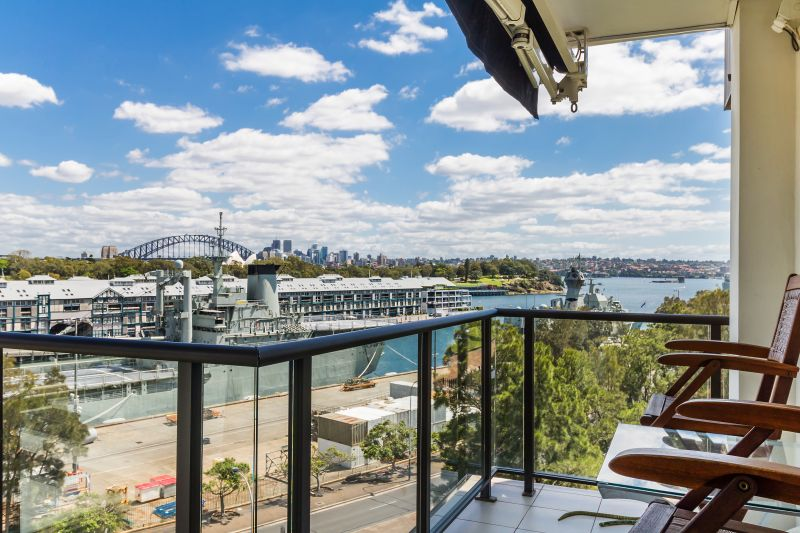 Fully Furnished Executive Apartment with Harbour Bridge Views