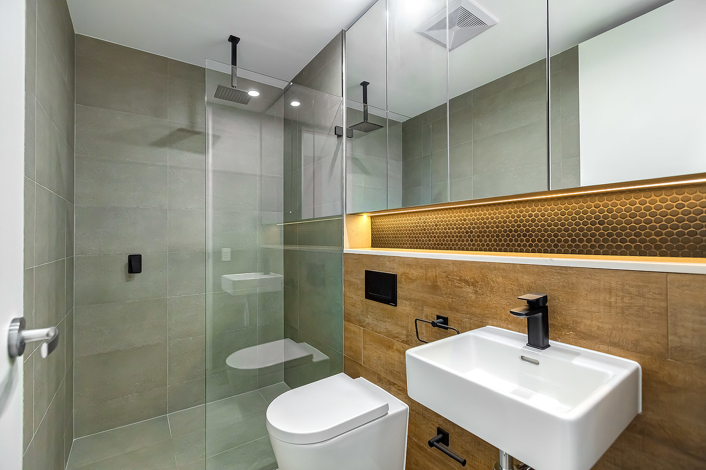 102/114-116 The Boulevarde, Dulwich Hill