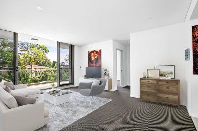 Designer north-facing apartment in coveted corner position