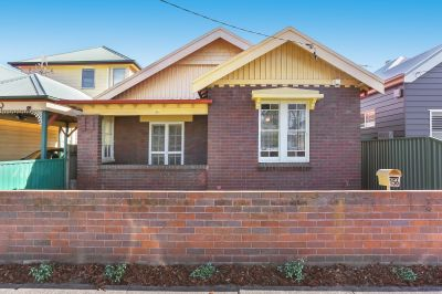 SOLD: Freestanding Cottage on 323 square metre Block; Rare Find!