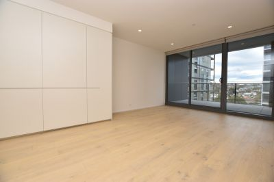Utterly Stunning Brand New Two Bedroom Apartment in the Highly Sought After Toorak Park!