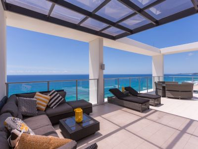 BROADBEACH BEACHFRONT PENTHOUSE