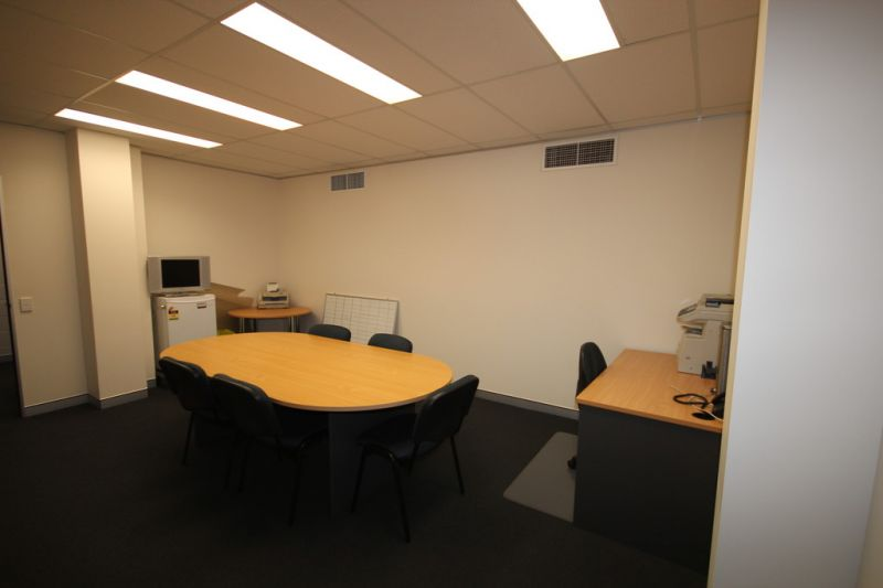 City Location, Fully serviced with Reception, Copy, Phone, Boardroom