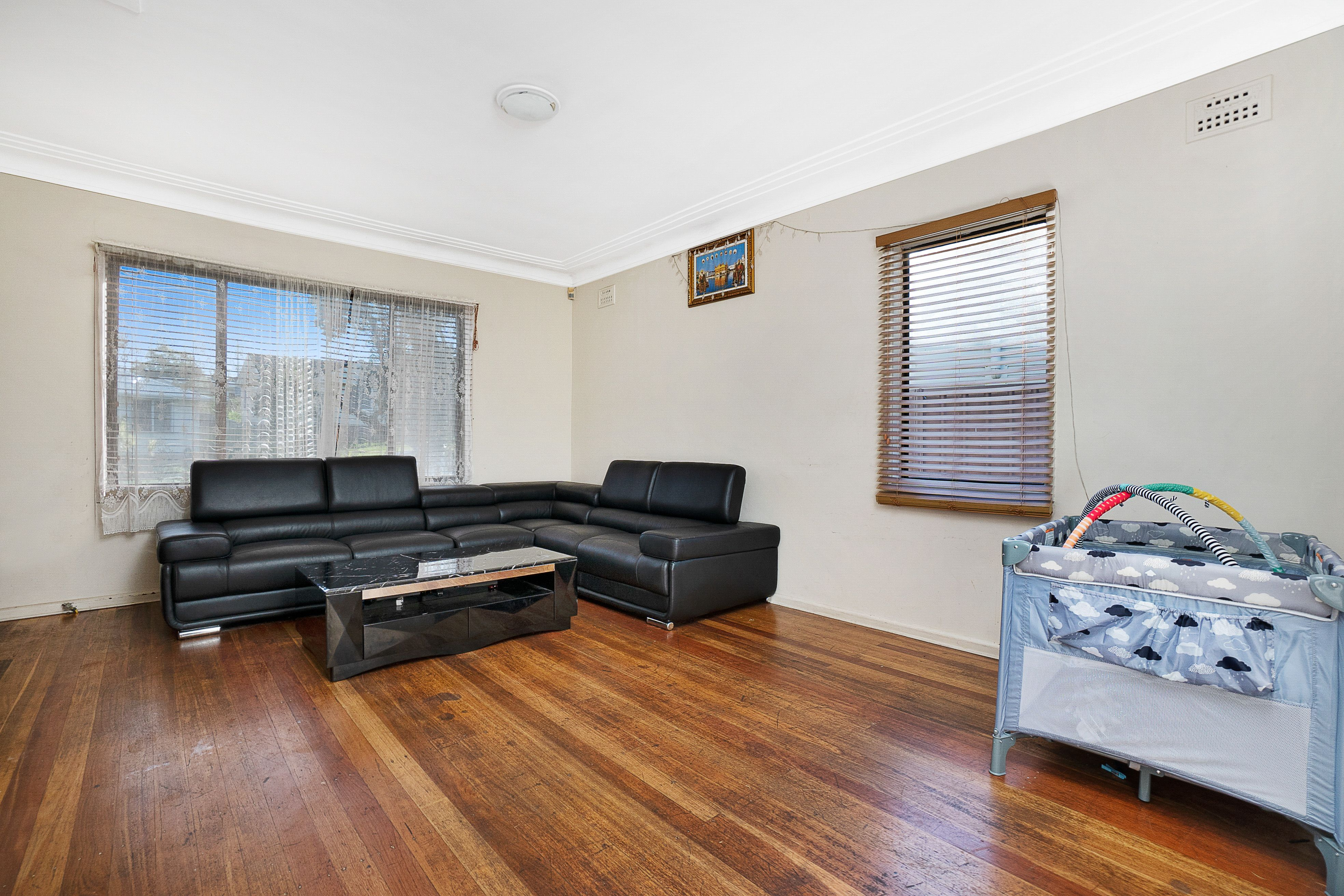 25 Funda Crescent, Lalor Park NSW 2147