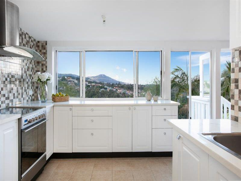 AN AMAZING HOME WITH PANORAMIC VIEWS