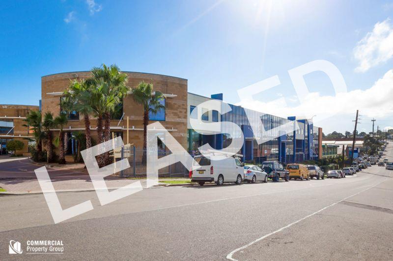 LEASED BY KYLE DEWEY - 190M² IMPRESSIVE BUSINESS UNIT