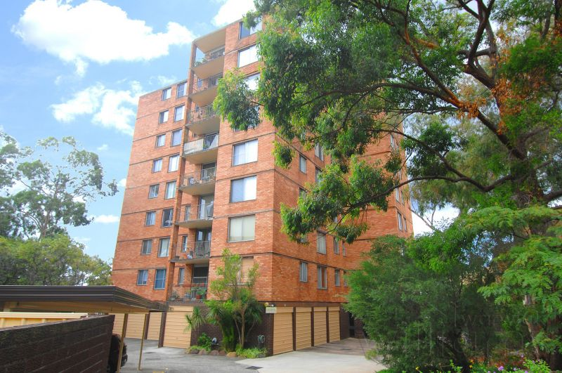 IDEALLY LOCATED TWO BEDROOM APARTMENT