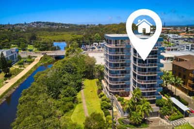 River & Hinterland Views - In Town Location!