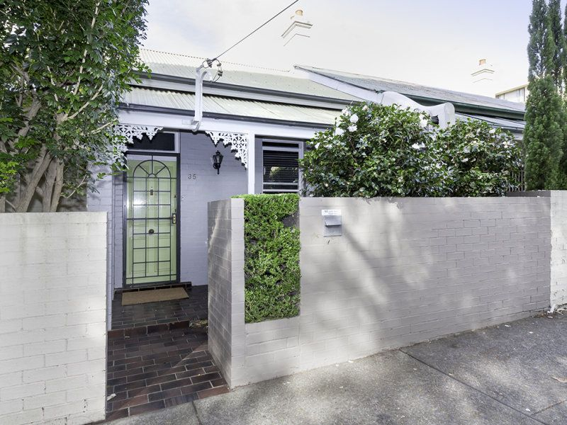 Charming Semi-Detached Cottage in the Heart of Neutral Bay