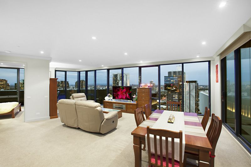 Top of The Town  Furnished Sub Penthouse with 180 Degree Views!