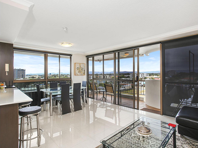 RENOVATED APARTMENT, FRESH BREEZES & PANORAMIC VIEWS