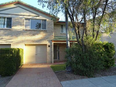 THREE BEDROOM TOWNHOUSE IN SMALL COMPLEX