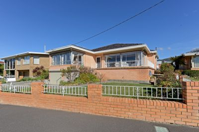 40 Riverway Road, Montrose