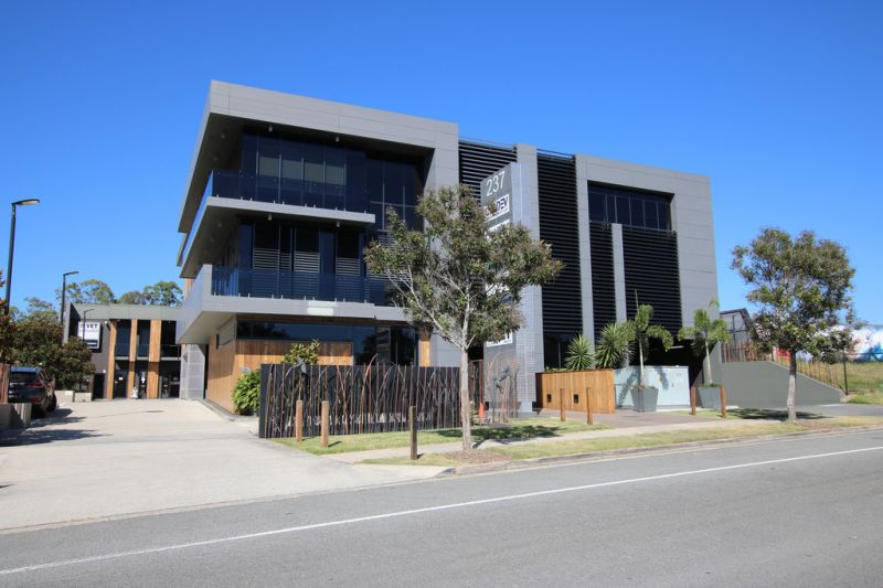 Upgraded Robina Office Space