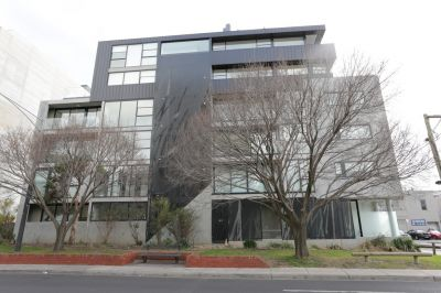 Stunning One Bedroom Apartment in Stylish Prahran!