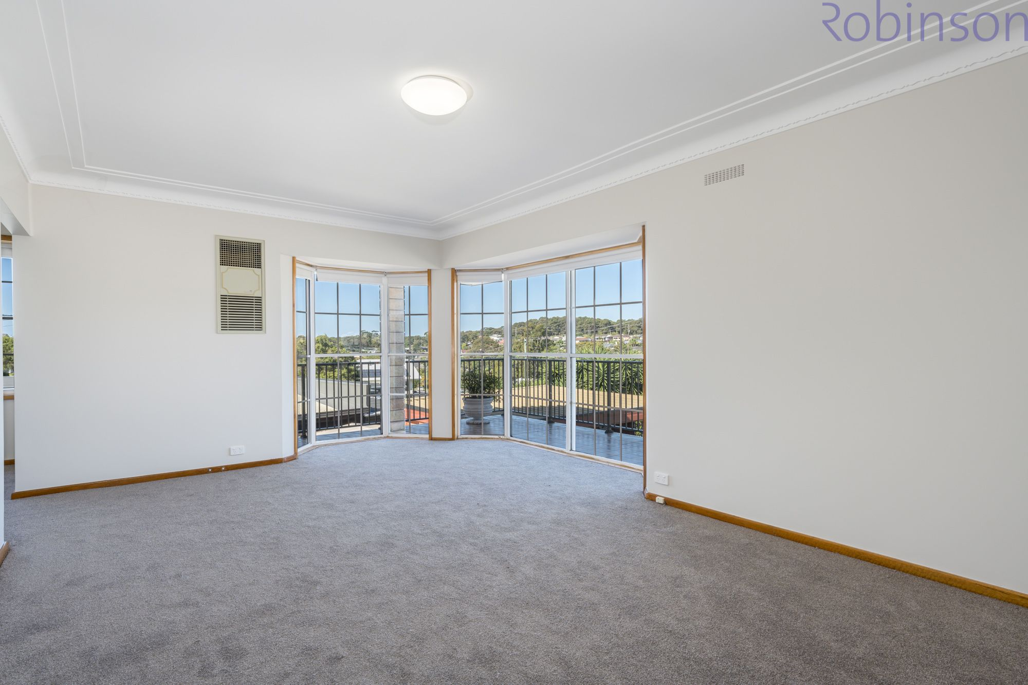 52 Sunhill Drive, Merewether Heights