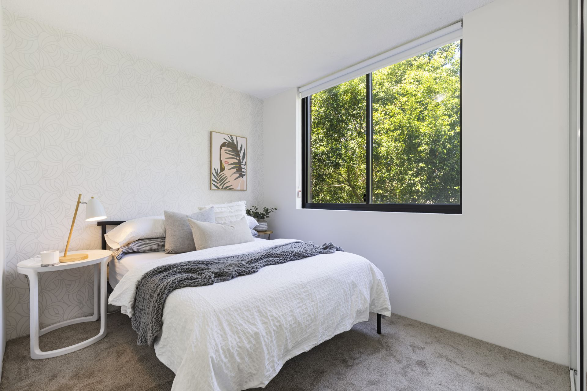 12/211 Wigram Road, Forest Lodge