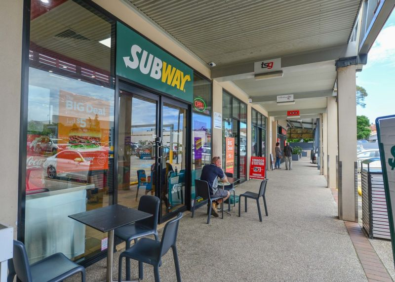 Retail / Food Premises in Busy Complex