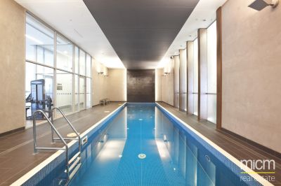 Mainpoint: 23rd Floor - Superb Location!