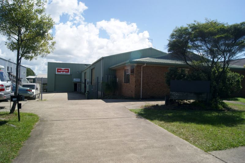 Compact Warehouse For Lease in Caloundra Location