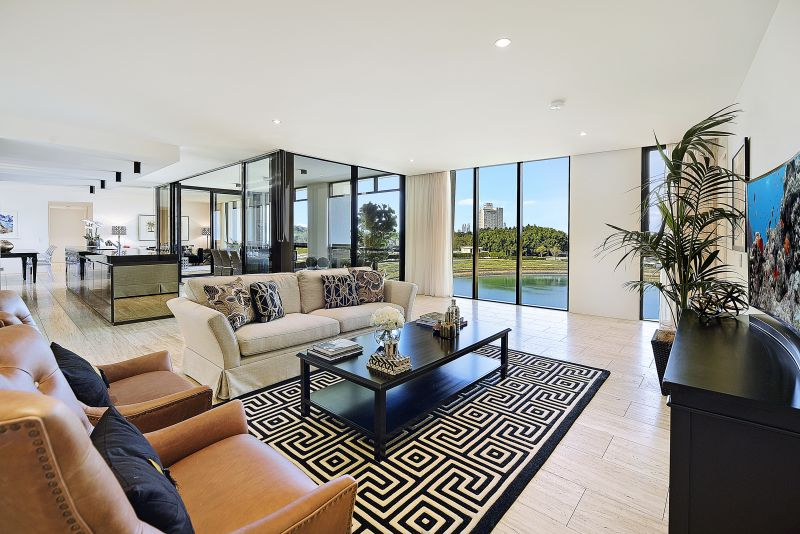 Enjoy the golf course lifestyle at Royal Pines! Incredible value Penthouse