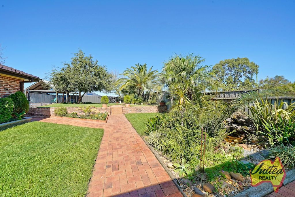 29 Devitt Crescent The Oaks 2570