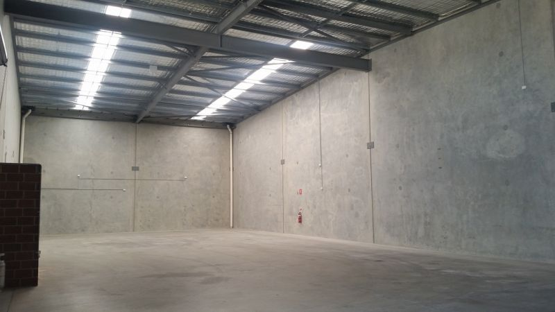 Well Presented High Truss Warehouse