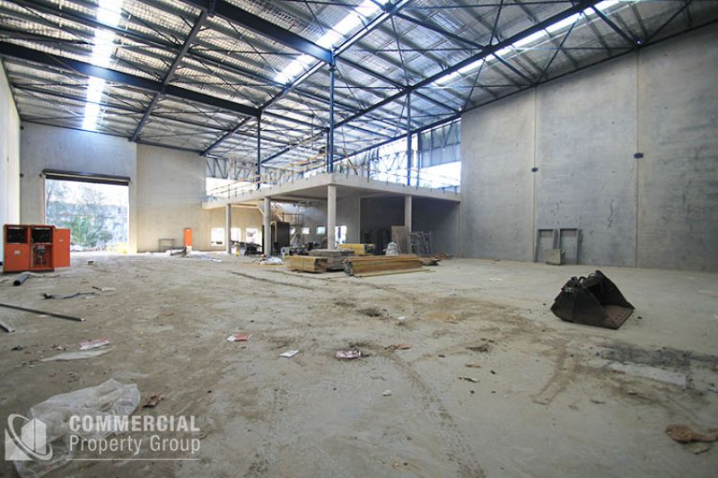 LEASED BY DAVID FALCIONI - INDUSTRIAL CLASS 1,090m²