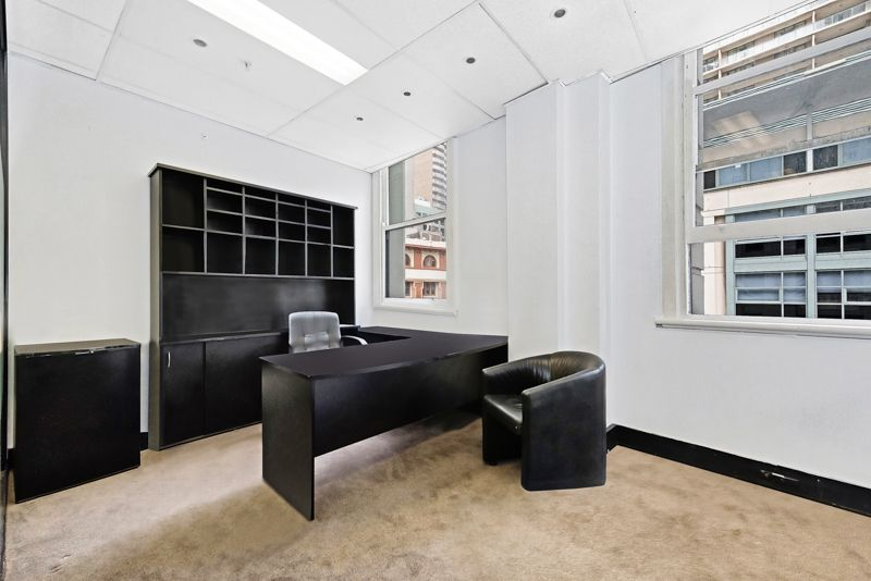 Premium Commercial Office Overlooking World Square
