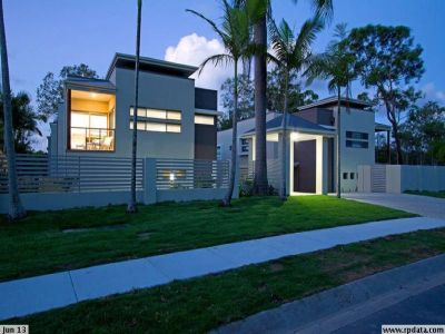 Stunning Unfurnished Townhouse in Boutique Complex