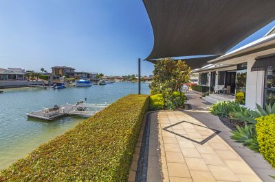 Owners Downsizing  Delightful Waterfront Lowset Home