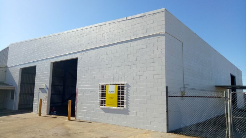 :: 300m2* INDUSTRIAL SHED, CBD LOCATION, BEST VALUE TODAY IN GLADSTONE