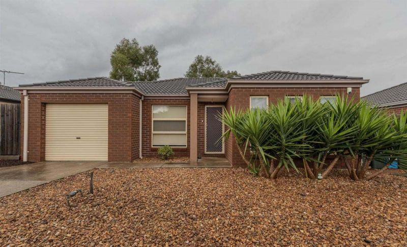 For Sale By Owner: 27/20-22 Roslyn Park Drive, Melton West, VIC 3337