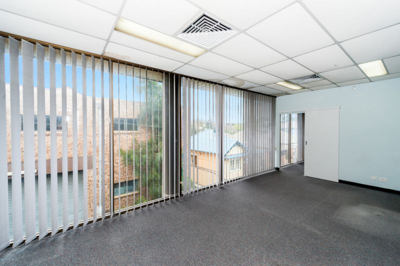 Affordable Commercial Suite Centrally Located in Botany
