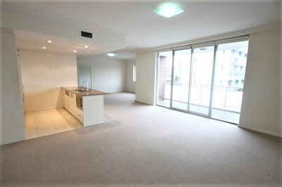 Oversized One Bedroom Apartment with Double Parking