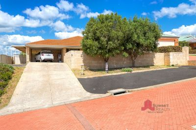 SHORT STROLL TO THE BEACH – GREAT LOCATION