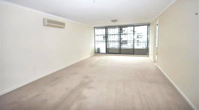 The Vista: 10th Floor - Fantastic Three Bedroom Close to Everything!