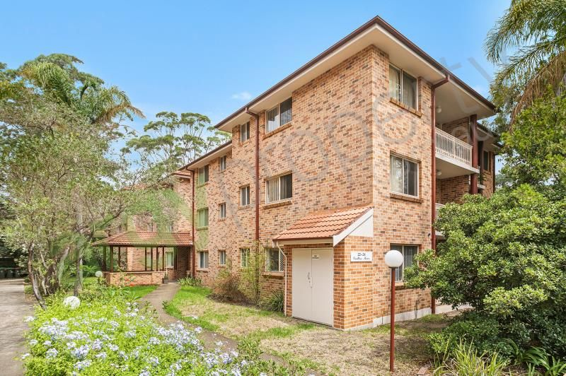 Leased - Generously Sized Unit In Convenient Location