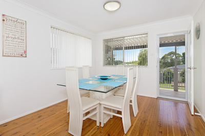 52, Clifton Dr, PORT MACQUARIE - Julie Fullbrook