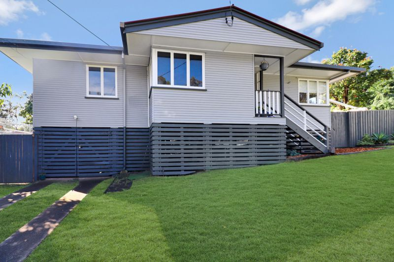 Beautifully renovated 3 bedroom home with manicured lawns and gardens...
