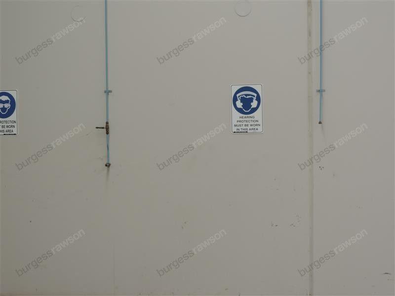 Fantastic High Truss Office/Warehouse Facility