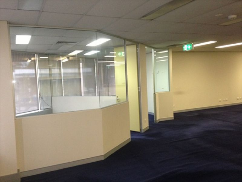 FITTED OFFICE WILLOUGHBY