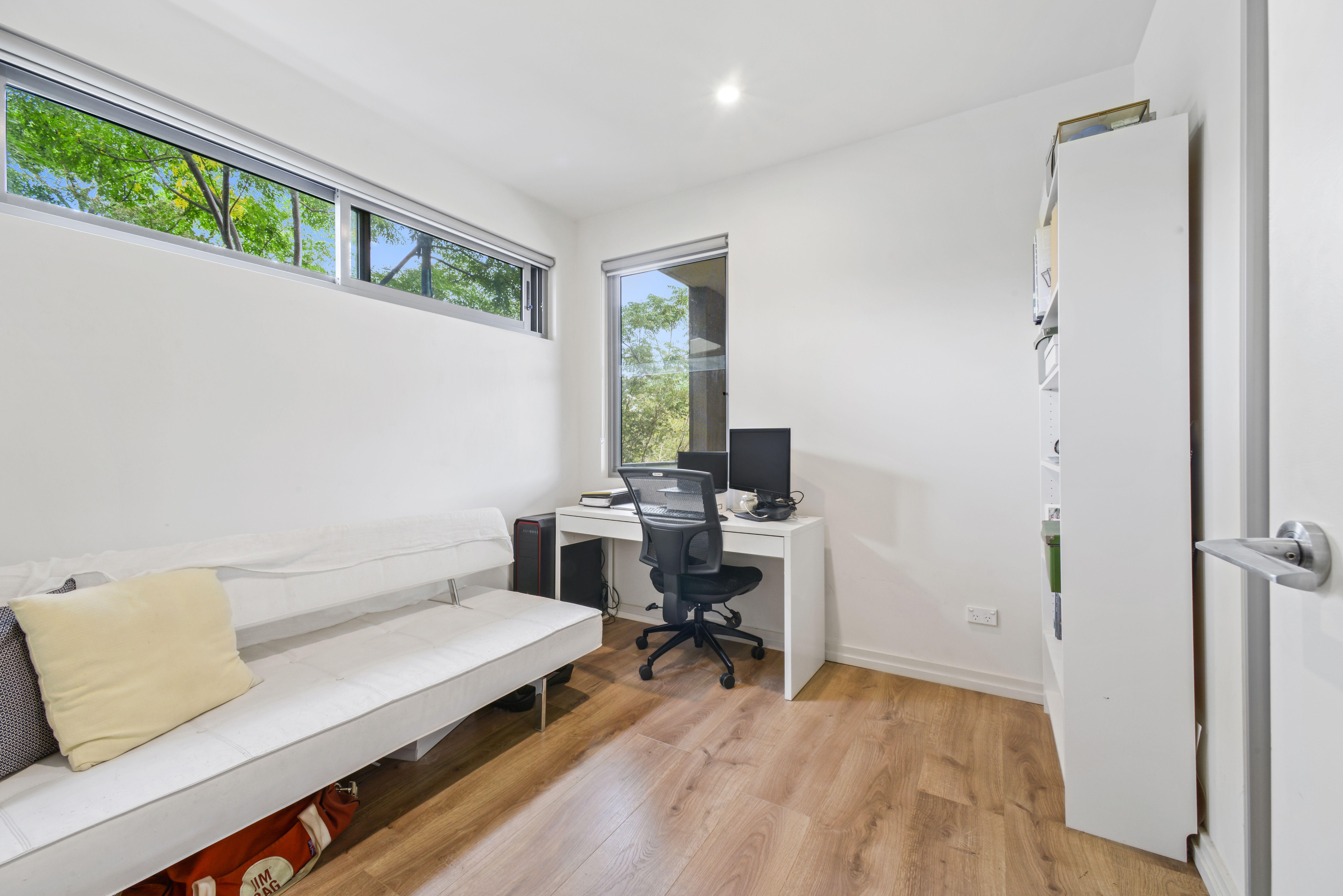 102D/2 Rowe Drive, Potts Hill NSW 2143
