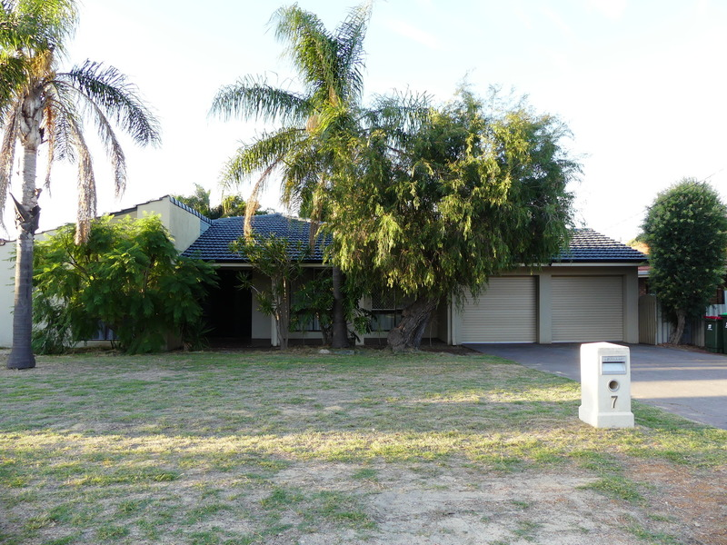 GREAT LOCATION IMMACULATE FAMILY HOME