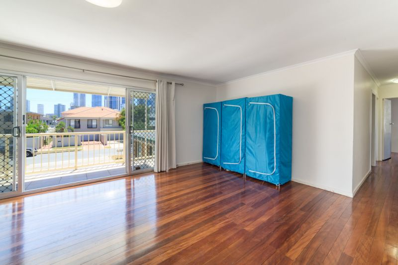 Brilliantly Positioned Entire Unit Complex – 4 Units