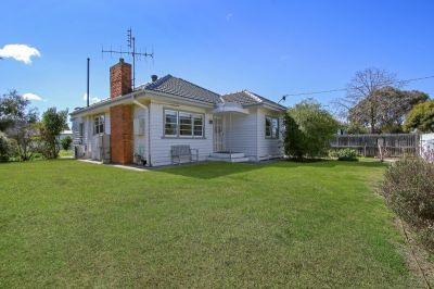 GORGEOUS, WEATHERBOARD CHARMER