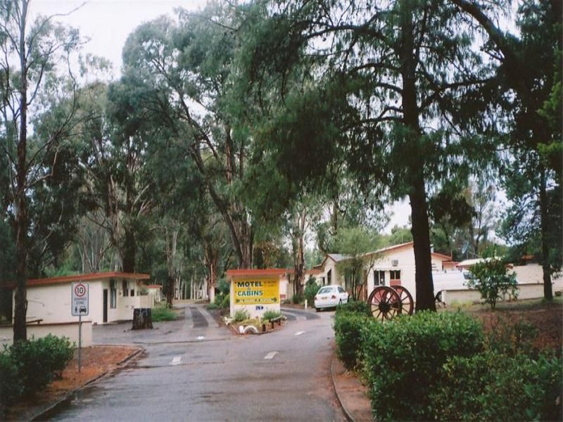 NEWELL HIGHWAY MOTEL AND CABINS ON ACREAGE