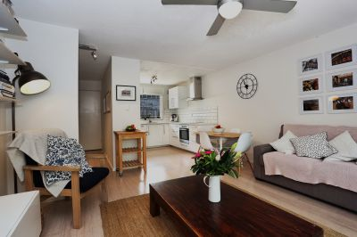 2/12 Ford, Clayfield